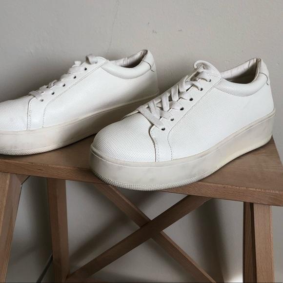 fc5257dd78f Steven by Steve Madden White Platform Sneaker. M 5a9c11472ae12f92ce55d7e8